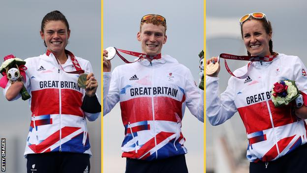 GB triathletes Lauren Steadman (left), George Peasgood (centre) and Claire Cashmore (right) with their Paralympic medals in Tokyo